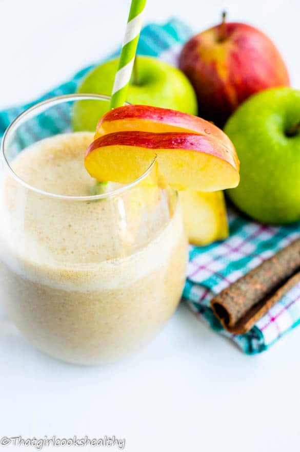 Apple and cinnamon smoothie