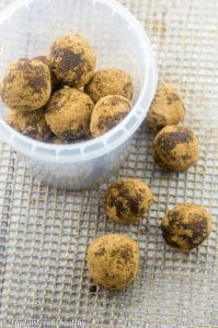 Raw chocolate chip energy balls