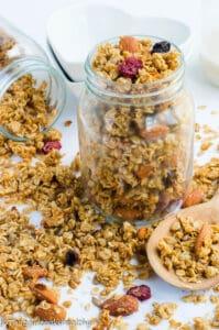 Healthy gluten free granola recipe that's homemade