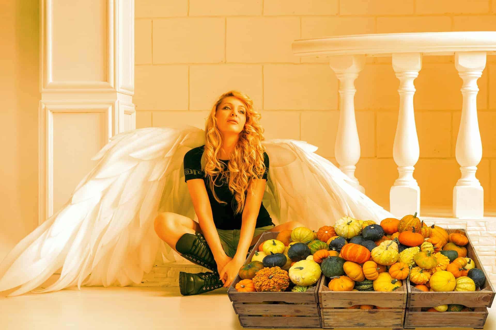 Angel eating food