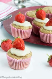 Strawberry vanilla cupcakes (gluten free)