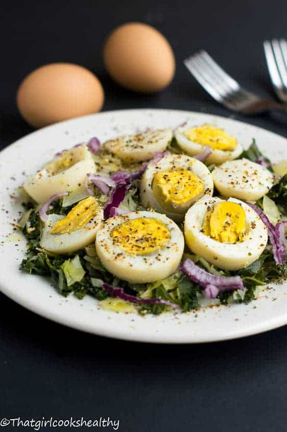Boiled eggs with curly kale2