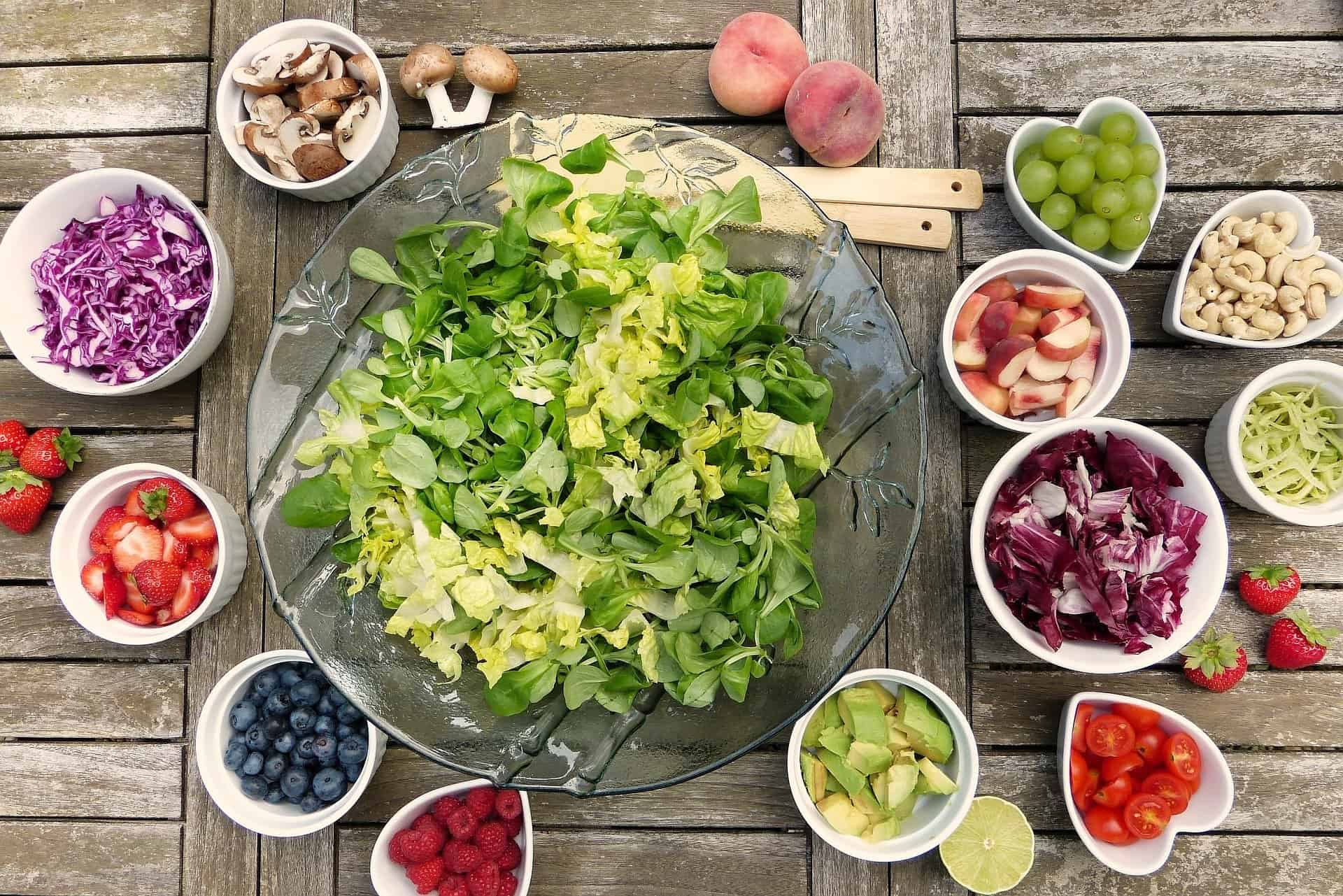 Salad and fruit bowls