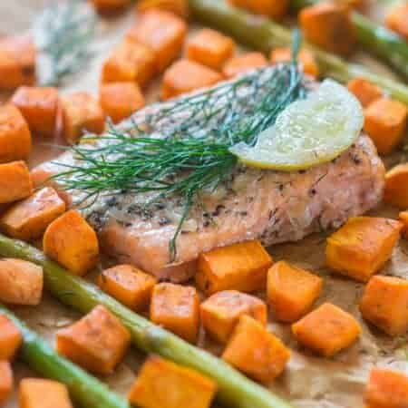 Baked salmon with asparagus1
