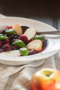 berry fruit salad recipe (vegan)