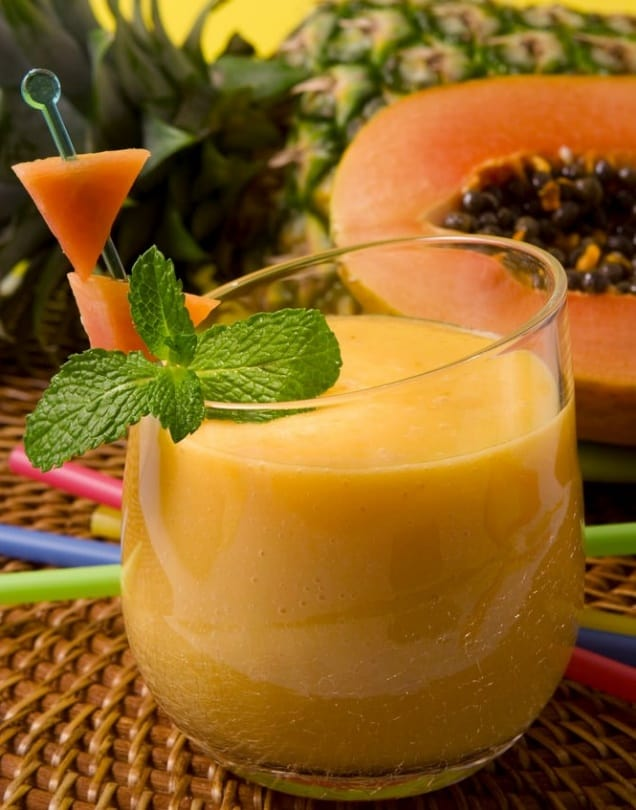 papaya and pineapple smoothie