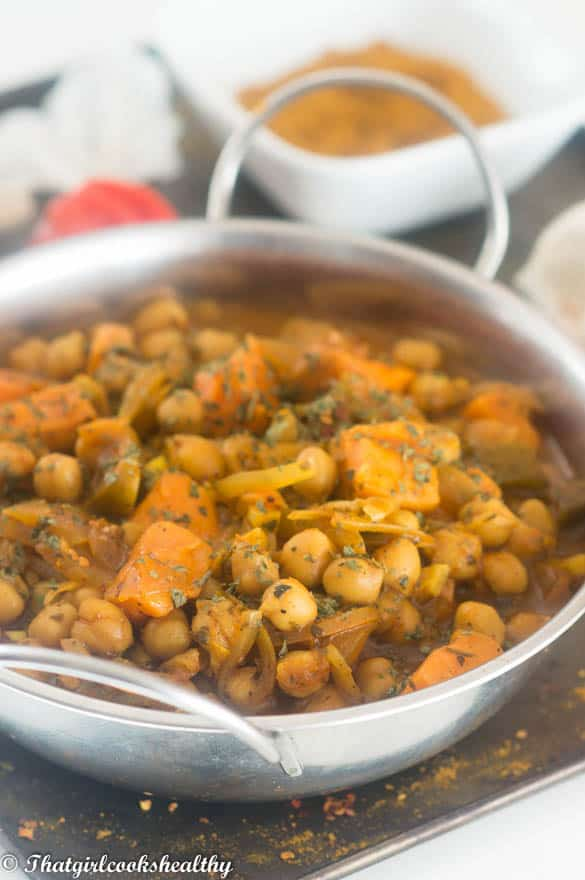 Vegan chickpea curry side shot