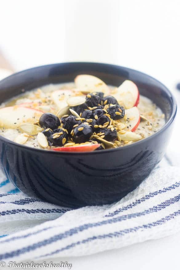 Blueberry and apple oatmeal3 - Blueberry apple oatmeal (vegan)