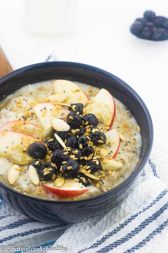 Blueberry and apple oatmeal4 - Blueberry apple oatmeal (vegan)