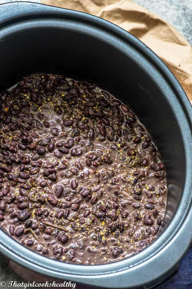 Slow cooker black beans in a crockpot