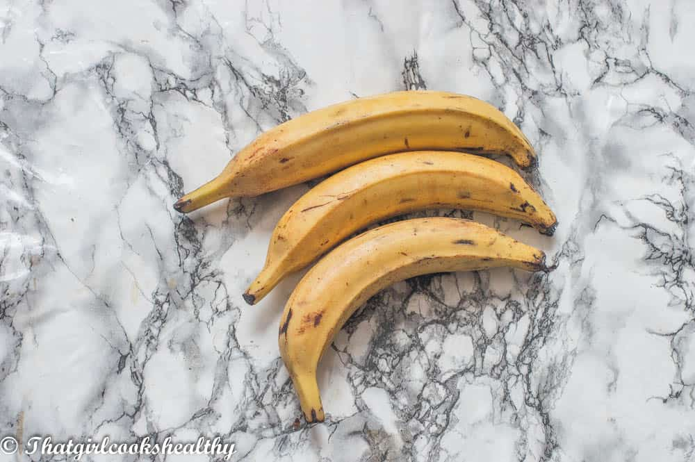 2 ripe plantains side by side