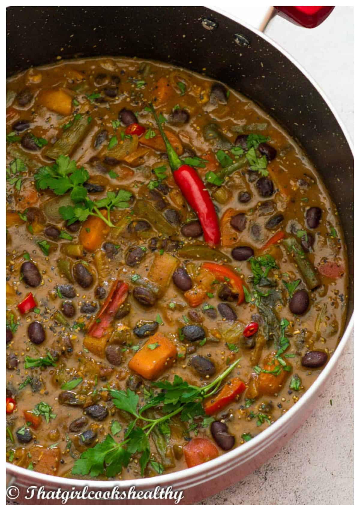 Black beans in pot