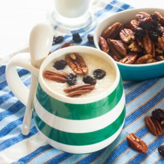 Porridge with nuts and raisins