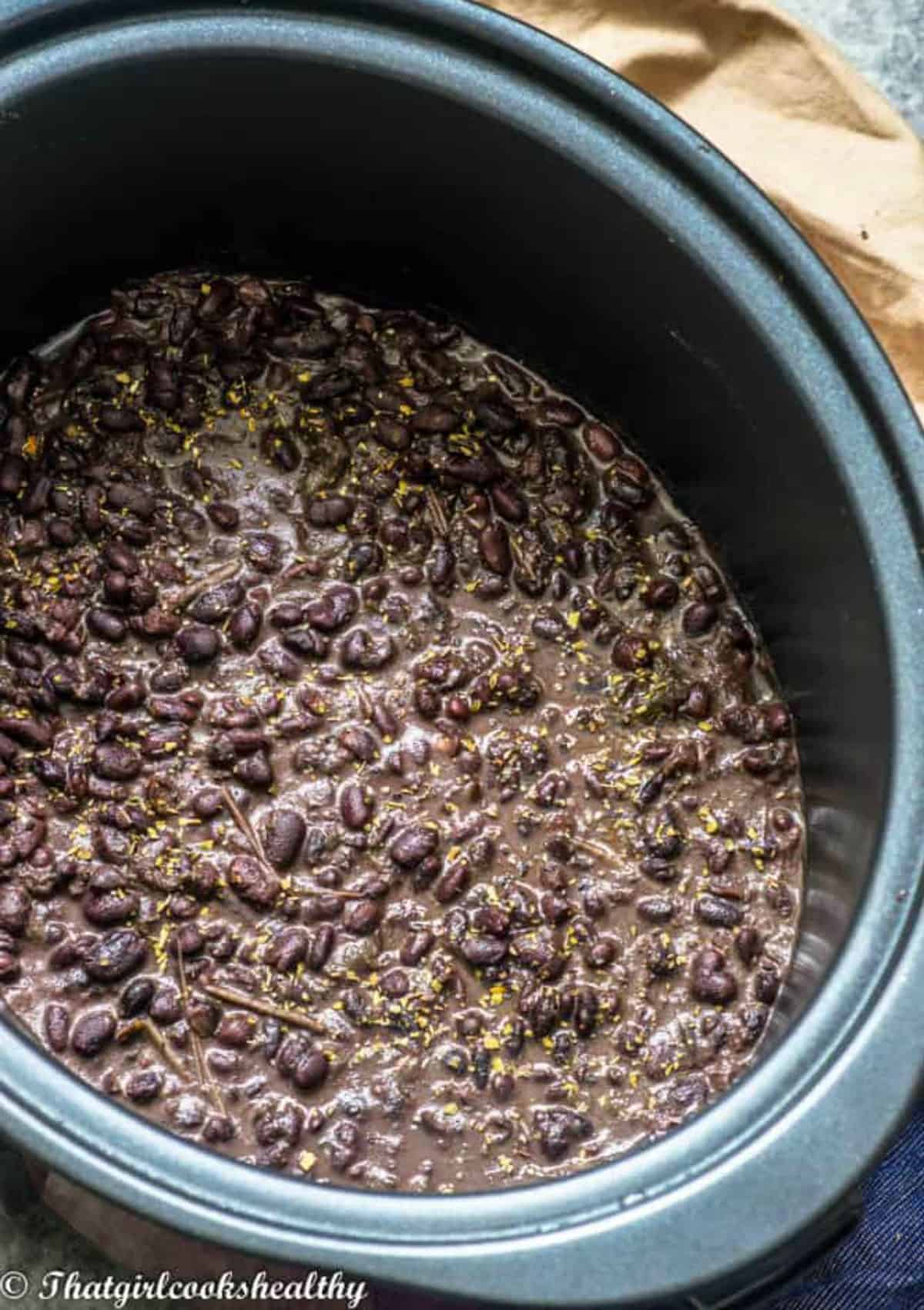 black beans in the slow cooker