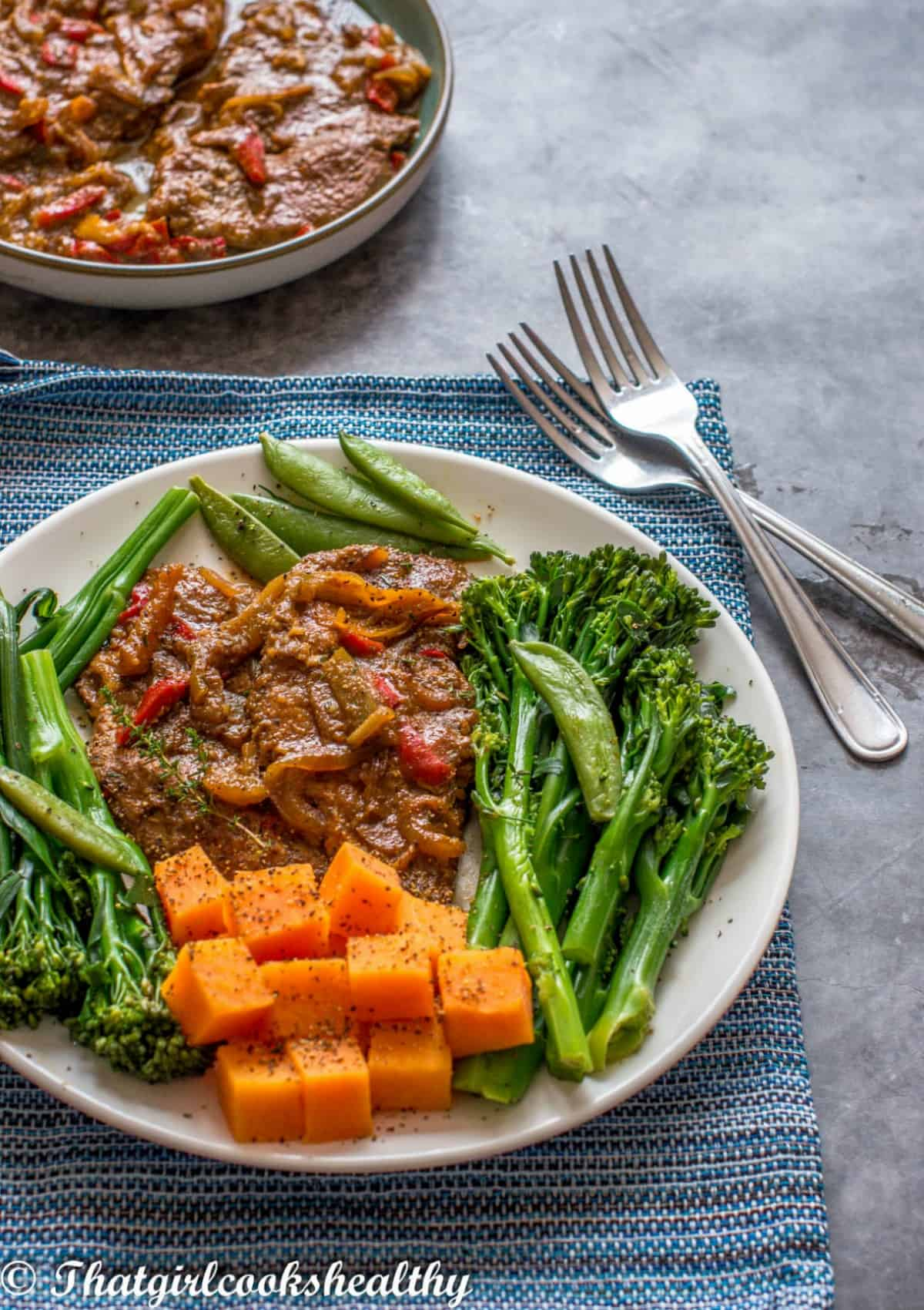 turkey steaks with broccoli stalks