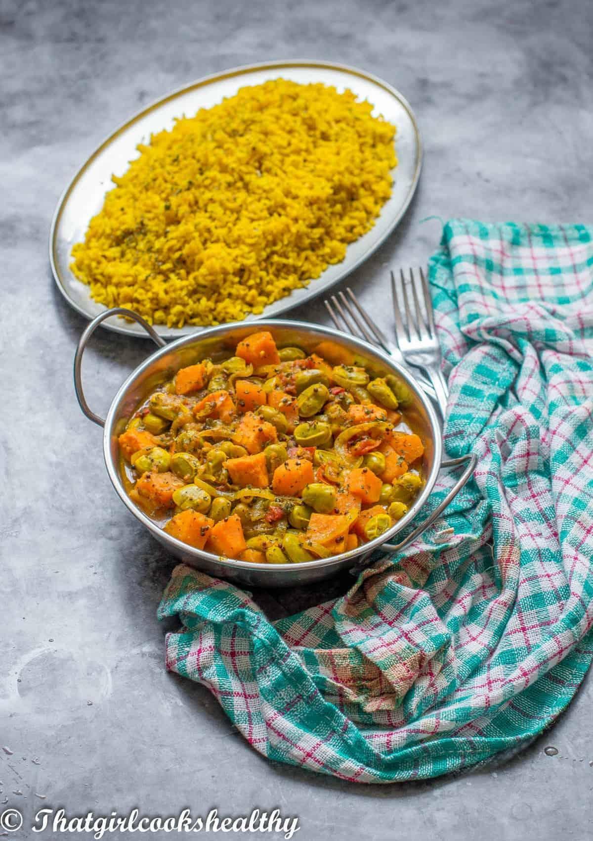 curry on a teal cloth